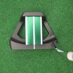 up close picture of mallet style golf putter